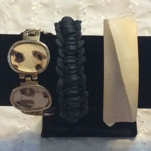 Jewelry - Bundle of 3 bracelets wood, bead, clasp